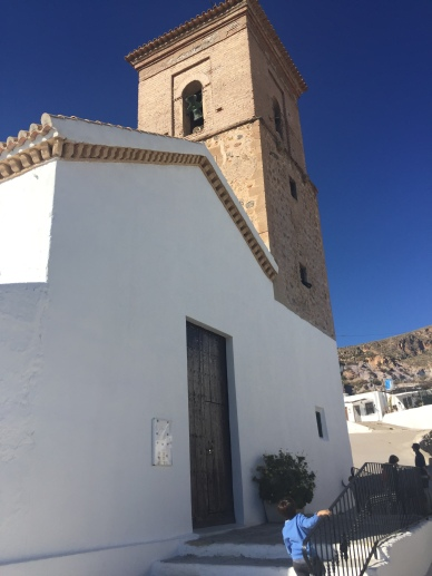 Frontal de la Iglesia.