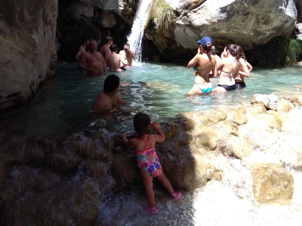 Río Chillar con niños