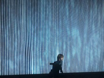 Odas del sonido en la pared