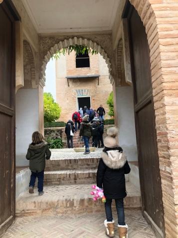 Entrando al Palacio del Generalife