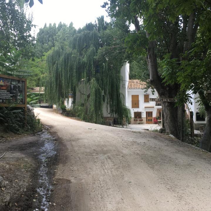Acceso al Camping El Cortijillo